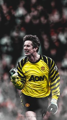 Arsậl (@Arsal_gfx) | Twitter Manchester United Wallpaper, Manchester United Legends, Manchester United Players, Buffon Goalkeeper, Messi, Legends Football, Vintage Football Shirts, Soccer Poster, Man United