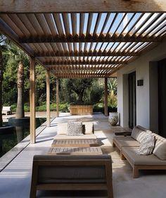 Strak terras en moderne veranda