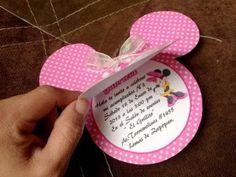 Original invitacion de cumpleaños de Minnie Mouse                              …