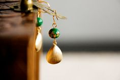 Hey, I found this really awesome Etsy listing at https://www.etsy.com/listing/70724908/drop-earrings-floral-green-bead-teardrop