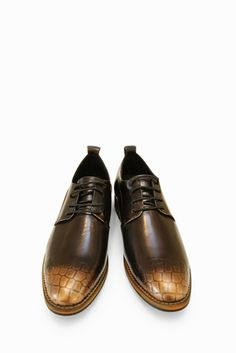 Vintage Brogues In Bronze. Free 3-7 days expedited shipping to U.S. Free first class word wide shipping. Customer service: help@moooh.net