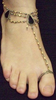 Anklet with Toe Ring@@@.....http://www.pinterest.com/queend65/diamond-feet/
