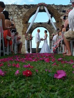 DESTINATION WEDDING - JAMAICA / SPECIALTY TROPICAL WEDDING - Tropical Weddings Jamaica - (876) 407 - 6767     http://www.tropicalweddingsjamaica.com/index.php/ https://www.facebook.com/pages/Tropical-Weddings-Jamaica/128037739267