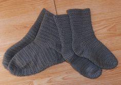 Techniques Crochet - (page - tetenlaine Blog Crochet, Diy Crochet, Knitting Socks, Knit Socks, Crochet Accessories, Parfait, Voici, Pulls, Recherche Google