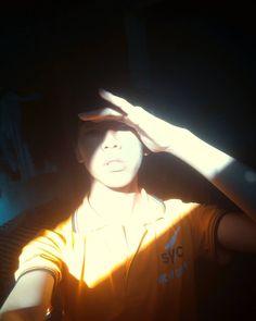 "9 lượt thích, 1 bình luận - Hakuo Victo (@hakuovicto) trên Instagram: ""Sunshine through my eye ;-) :* :-)  #non #sunlight #selfie #repost #insta #noon"""