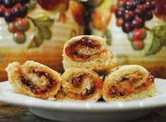 PB&J Sushi Rolls. Perfect for lunch for kids! Step by Step Photos. Click for full recipe.