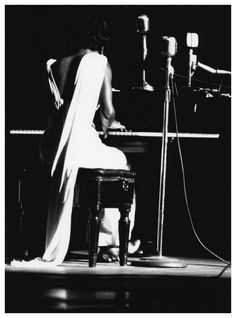 Nina Simone: quietly breathtaking photograph was taken at NYC's Town Hall in 1959 byWilliam Gottlieb