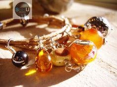 Sunset  Bracelet de cuir brun naturel 10 charms par SeaUcollection, $110.00
