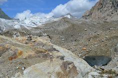 Gletscherberge und ein Höhleneingang  #Glacier #Gletscher #Alpen #Berge #Aletschgletscher #Schweiz #swiss #wandern #natur #backpacker