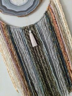 Boho Diy, Boho Decor, Geode Decor, Yarn Wall Art, Macrame Wall Hanging Diy, Modern Boho, Wall Décor, Olive Green, Agate