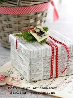 Gifts Wrapping & Package : More newspaper wrapping – so simple but cute! Noel Christmas, All Things Christmas, Winter Christmas, Christmas Crafts, Christmas Decorations, Xmas, Christmas Recipes, Holiday Fun, Holiday Gifts