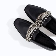 LEATHER MOCCASIN WITH CHAINS from Zara