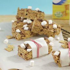 Back-to-school breakfast bars with Golden Grahams, marshmallows and chocolate.