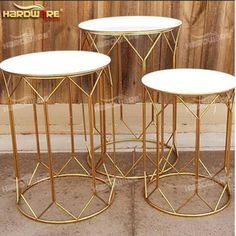 Source golden stainless steel or acrylic wedding party decoration flower display.