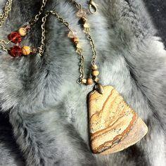 Gorgeous picture jasper pendant & crystal necklace, antique gold chain £18.00