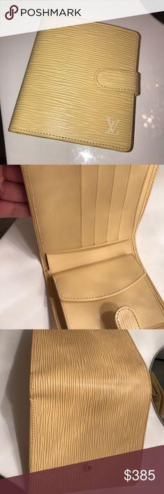 Louis Vuitton wallet Louis Vuitton 100% authentic bought in Bar Harbor shops Miami Florida. Brand-new never Wallet Louis Vuitton Accessories