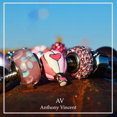 Revive cada experiencia con Anthony Vincent.  #fig2015 #beads #bracelet #AV