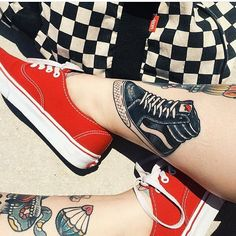 True Love ❤️❤️❤️ Amazing Sk8-Hi tattoo!