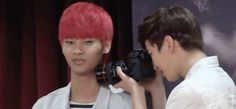 """N is such a queen he's just like """"mm yes get more pictures of ME"""""""
