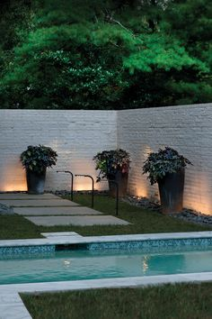 Ideas For Exterior Garden Lighting Landscaping House Paint Exterior, Exterior Paint Colors, Exterior House Colors, Paint Colors For Home, Exterior Design, Interior And Exterior, Diy Exterior, Exterior Light Fixtures, Outdoor Light Fixtures