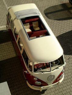 bus with sun roof