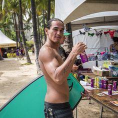 Stay cool with #hawaiianola #sparkling #noni #beetpunch #bodyboarding #Waikiki #Hawaii