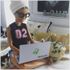 "3,179 Likes, 44 Comments - My Froggy Stuff (@myfroggystuff) on Instagram: ""Me a few hours ago... trying to get rid of the greys #myfroggystuff #dollcrafts #barbiedoll…"""
