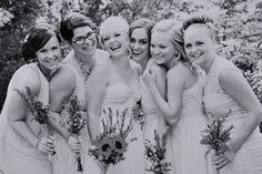 relaxed and fun wedding party photos