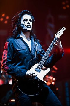Welcome to a fanpage dedicated to Jim Root, guitarist extraordinaire for Slipknot and Stone Sour. Chris Fehn, Paul Gray, Mick Thomson, Iowa, System Of A Down, Rock Y Metal, Black Metal, Metal Pins, Broly Ssj3
