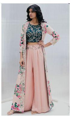 Party Wear Indian Dresses, Designer Party Wear Dresses, Indian Gowns Dresses, Kurti Designs Party Wear, Dress Indian Style, Indian Fashion Dresses, Indian Wedding Outfits, Indian Designer Outfits, Kurta Designs