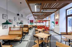 Kráľ hamburgerov otvára prevádzku na lukratívnej adrese vcentre Bratislavy - Akčné ženy Conference Room, Table, Furniture, Home Decor, Decoration Home, Room Decor, Tables, Home Furnishings, Home Interior Design
