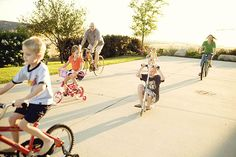 13 Creative Family Picture Ideas
