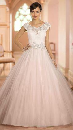 Diseño de Stella York. Vestidos de novia