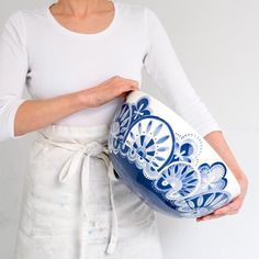 SHOP: I picture this as you with one of your pieces :) Light, neutral clothing and background Pottery Bowls, Ceramic Pottery, Pottery Art, Ceramic Tableware, Ceramic Clay, Pottery Painting, Ceramic Painting, White Porcelain, Caviar