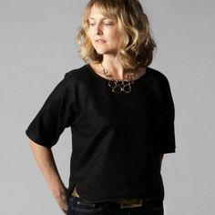 The 2 Hour Top is a fabulous super simple FREE sewing pattern with no fastenings or zips. Perfect for beginners.