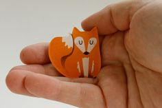 This cute fox brooch can decorate your jacket, pullover or bag!  It is cut from acrylic glass that is printed with a special käselotti-Design. The