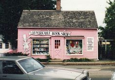 a-gal-insane:  The Remarkable Book Shop, Westport, Ct. (by warymeyers blog)