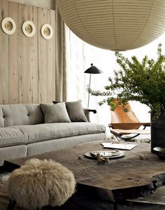 Like the colour use in this space. And the different textiles/structures.