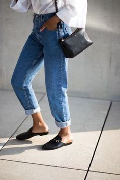 Street style jeans what you need to know when buying your next pair of capsule wardrobe jeans. The post What Jeans Type Are You? appeared first on Jean. Look Fashion, Spring Fashion, Fashion Outfits, Womens Fashion, Fashion Trends, Fashion Capsule, Net Fashion, Fashion Style 2017, Fashion Stores