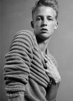 Artwear //Knitwear #mensstyle #fashion