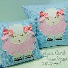 Almofadas Ovelhinha Applique Pillows, Sewing Pillows, Applique Patterns, Embroidery Applique, Baby Pillows, Kids Pillows, Throw Pillows, Craft Projects, Sewing Projects