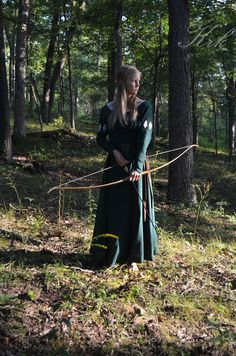 Medieval dress I made, inspired by Susan's Green Archery Dress!