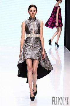 Sebastian Gunawan for Couturissimo – 26 photos - the complete collection Stylish Dresses, Elegant Dresses, Cute Dresses, Beautiful Dresses, Short Dresses, Midi Dresses, Sebastian Gunawan, Dress Outfits, Fashion Dresses