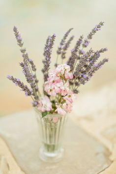 ©Xavier Navarro - mariage en Provence - La mariee aux pieds nus