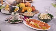 Rimmad fjällröding med stuvad rotselleri och apelsindoftande dukkah | SVT recept Frisk, Sour Cream, Seafood, Cooking, Desserts, Sea Food, Kitchen, Tailgate Desserts, Deserts