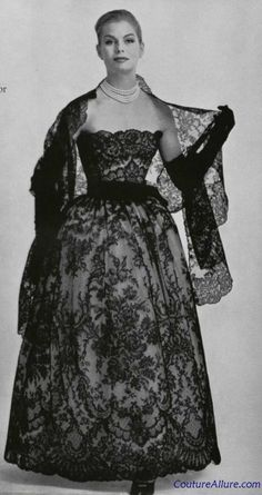 Chantilly lace evening dress and wrap, Christian Dior, 1956 Vintage Dior, Christian Dior Vintage, Vintage Gowns, Vintage Couture, Mode Vintage, Vintage Glamour, Vintage Beauty, Vintage Outfits, Dior Fashion