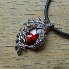 January Birthstone garnet so beautiful I want this!