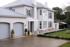 Spacious, tranquil, luxury home close to the city - Villas for Rent in Cape Town, Western Cape, South Africa Exposed Brick, Luxury Villa, Cape Town, Dining Area, Villas, Luxury Homes, South Africa, Swimming Pools, Home And Family