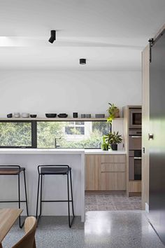 A Remodel Turns a Dark and Choppy House in Melbourne Into a Bright, Flexible Family Home - Photo 7 of 17 - Dwell