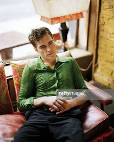 Sad, Drunk And Poorly — no other guy could ever Joaquin Phoenix Young, Liv Tyler 90s, Joker, Grey Beards, The Masterpiece, Papi, Aesthetic Vintage, Barista, Actors